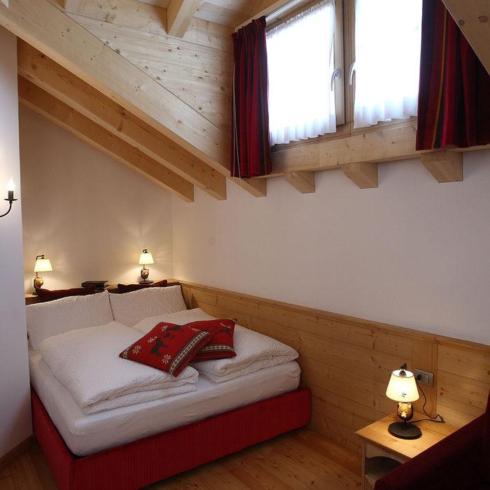 Moderni appartamenti arredati con stile alpino